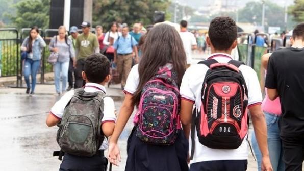 http://fronteradigital.com.ve/La Opinión: La travesía de los niños venezolanos  para hallar un cupo escolar en Colombia