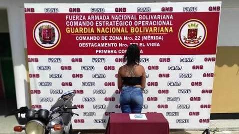 http://fronteradigital.com.ve/GNB-EL VIGÍA INCAUTÓ  UN ENVOLTORIO DE COCAÍNA  EN EL PEAJE DE ZEA