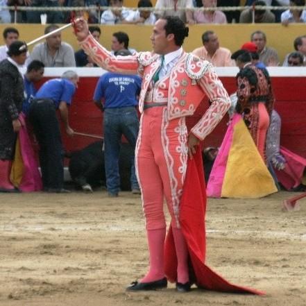 Frontera Digital,  JUAN JOSÉ GIRÓN, Entretenimiento,  Juan José Girón vuelve  a vestirse el terno de matador de toros