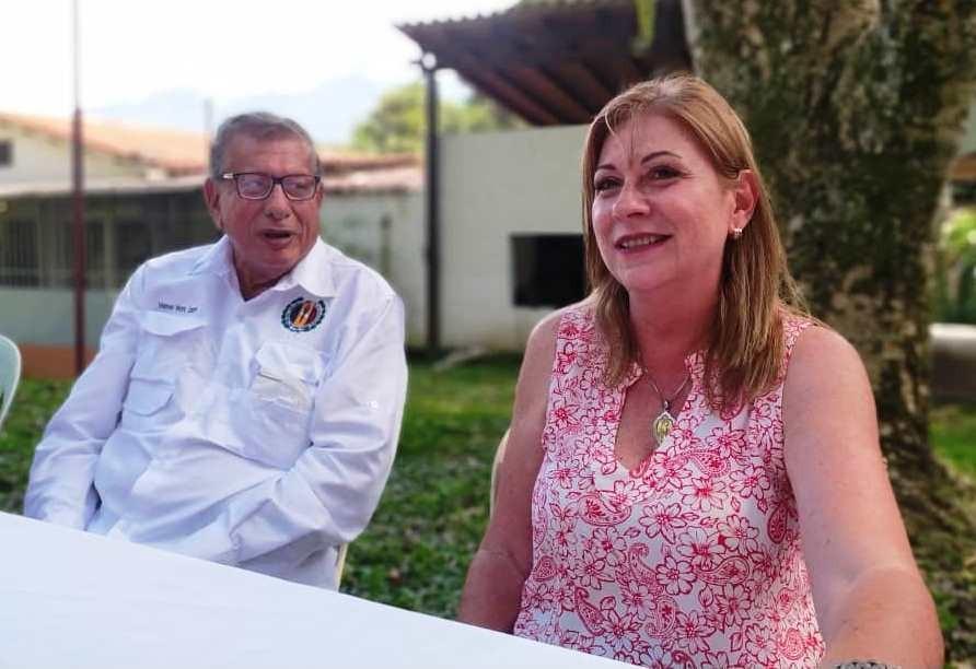 MARÍA EUGENIA FEBRES - CORDERO, Politica,