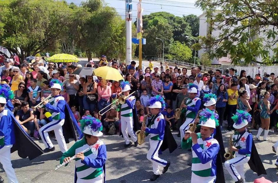Diario Frontera, Frontera Digital,  desfiel feria del sol, Regionales, ,Merideños disfrutaron del desfile Ferial 2020
