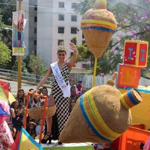 Diario Frontera, Frontera Digital,  FERIA DEL SOL, DESFILE DE FERIA, Regionales, ,Conmemoraron con desfile 50 años  de la Feria Internacional del Sol en Mérida