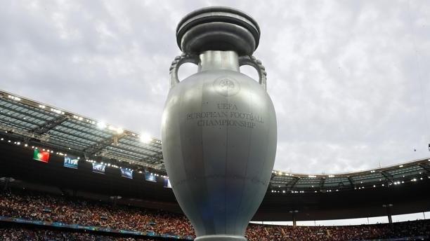 http://fronteradigital.com.ve/La UEFA acuerda aplazar la Eurocopa a 2021  y propone otra fecha para la final de la Champions
