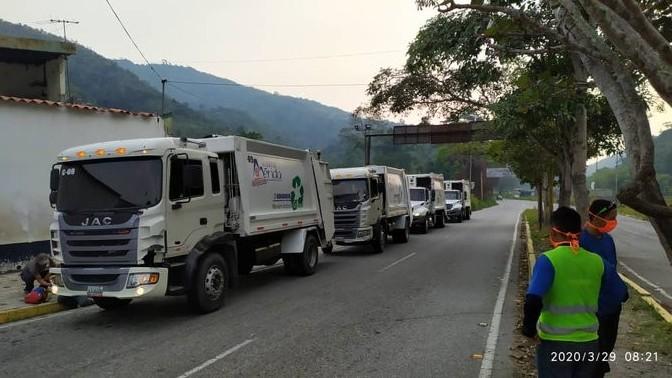 http://fronteradigital.com.ve/Camiones compactadores de la Alcaldía de Mérida en labor solidaria