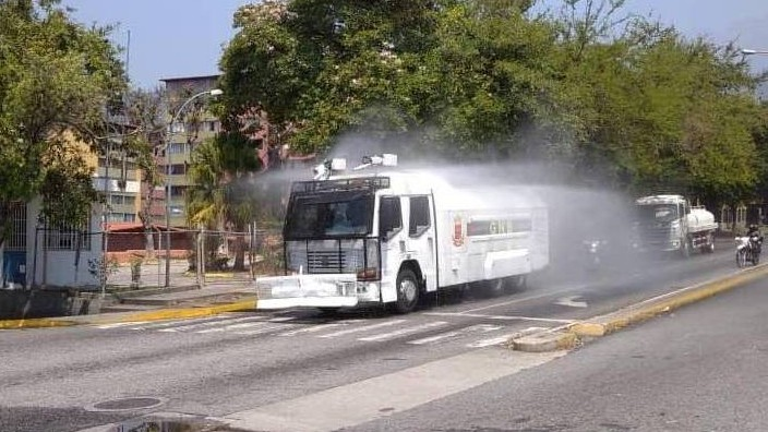 http://fronteradigital.com.ve/Plan Nacional de Desinfección abordó Av. Las Américas de Mérida