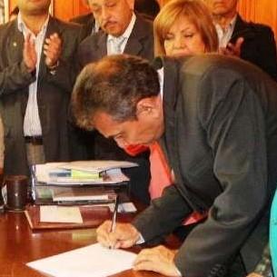 Diario Frontera, Frontera Digital,  GOBIERNO DE MÉRIDA, Regionales, ,Gobernador Ramón Guevara refrendó ley de Ipasdem