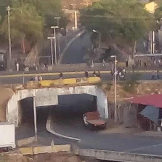 Diario Frontera, Frontera Digital,  PETARE, Nacionales, ,Nadie puede salir»: cerrados los accesos a Petare  tras fuerte operativo policial