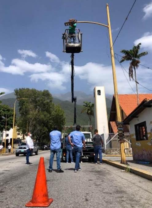 Diario Frontera, Frontera Digital,  ALCALDÍA DE MÉRIDA, LUMINARIAS, SANTA JUANA, Regionales, ,Alcaldía de Mérida está presente en las comunidades: Cambio de luminarias en Santa Juana