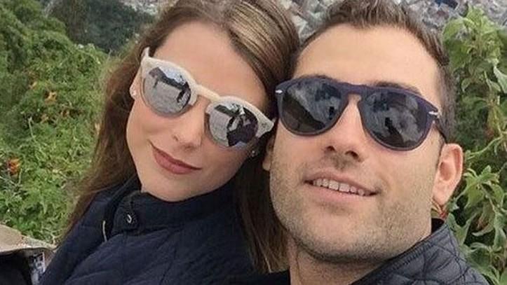 http://fronteradigital.com.ve/Stefanía Fernández anunció  su divorcio con el empresario Bernardo Asuaje