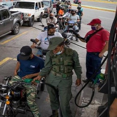 Diario Frontera, Frontera Digital,  GASOLINERAS, Nacionales, ,Gasolineras cerradas  y largas colas en el tercer día de flexibilización