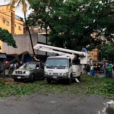 Diario Frontera, Frontera Digital,  LLUVIAS EN CARACAS, Nacionales, ,Autoridades: 25 cuadrillas trabajan  para restituir electricidad en zonas afectadas por las lluvias en la capital