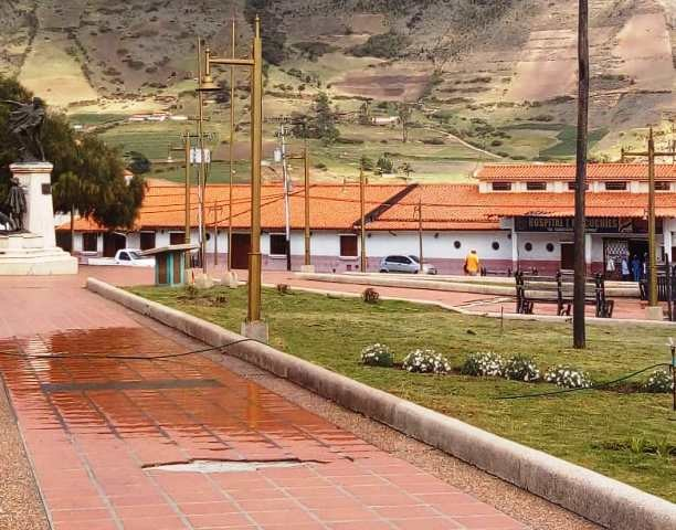 Diario Frontera, Frontera Digital,  MUCUCHÍES, Páramo, ,Venezuela Bella y alcaldía adelantan  reparaciones finales en plaza Bolívar de Mucuchíes