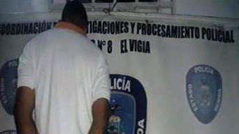 http://fronteradigital.com.ve/POLIMÉRIDA CAPTURO A  OBRERO AL INCAUTARLE UN ARMA DE  FUEGO  EN  EL  VIGÍA