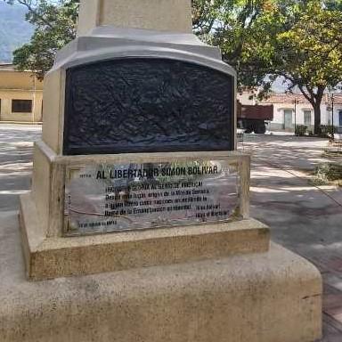 Diario Frontera, Frontera Digital,  PLAZA BOLÍVAR DE LA PARROQUIA, Regionales, ,Alcaldía de Mérida restaura placa de recién  recuperada plaza Bolívar de La Parroquia
