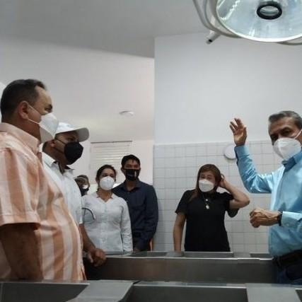 """Diario Frontera, Frontera Digital,  RAMÓN GUEVARA, Panamericana, ,Ramón Guevara hizo entrega material  de la morgue del hospital II """"Adán Muñoz Calleja"""""""