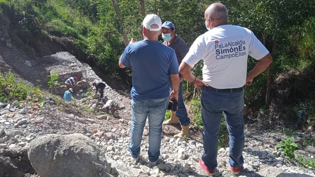 http://fronteradigital.com.ve/ALCALDÍA DE CAMPO ELÍAS CONSOLIDA MURO  EN LA  VÍA PRINCIPAL AFECTADA EN LA RANCHERÍA