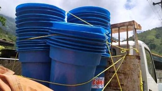 http://fronteradigital.com.ve/Gobierno Bolivariano entregó más de  55 tanques de agua al municipio Antonio Pinto Salina