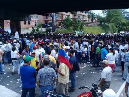 Diario Frontera, Frontera Digital,  EÑ VIGÍA, PROTESTA, Panamericana, ,OPOSICIÓN VIGÍENSE TOMÓ EL IBERIA EN RECHAZO AL PRESIDENTE NICOLÁS MADURO
