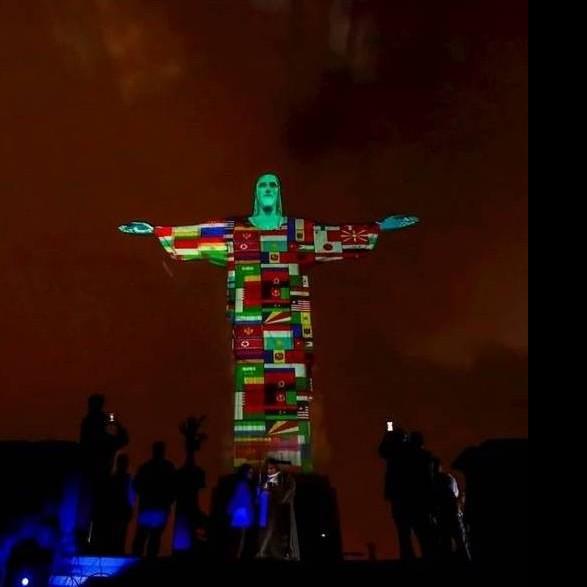 Diario Frontera, Frontera Digital,  RIO DE JANEIRO, CRISTO REDENTOR, Internacionales, ,Proyectan en el Cristo Redentor  banderas de países con casos de coronavirus