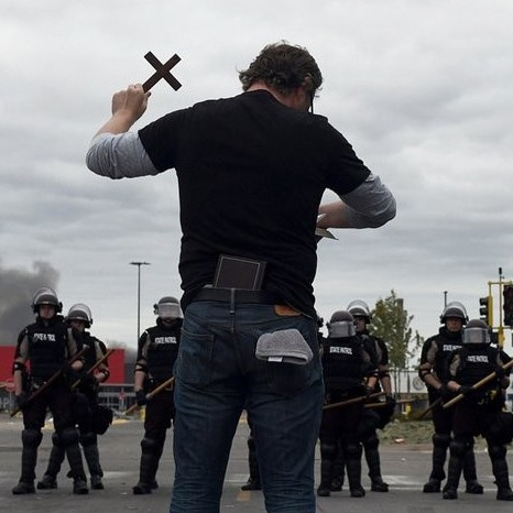 Diario Frontera, Frontera Digital,  EE.UU., Internacionales, ,Arde EEUU tras la muerte de George Floyd: Saqueos,  comisaría en llamas y despliegue de la Guardia Nacional