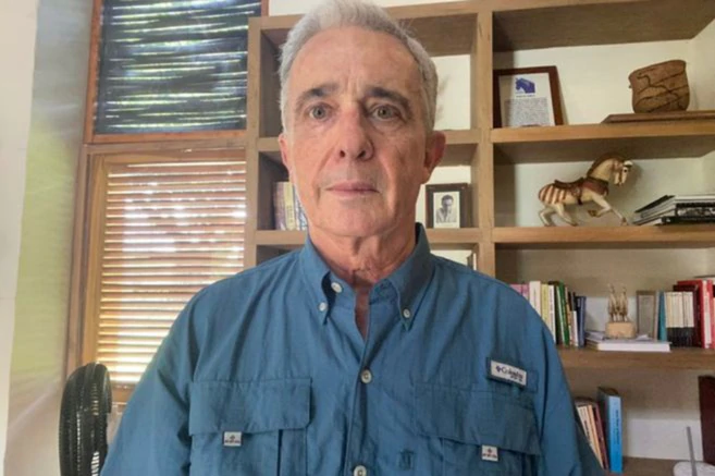 Diario Frontera, Frontera Digital,  Álvaro Uribe Vélez, Internacionales, ,Álvaro Uribe Vélez renuncia a su curul en el Senado