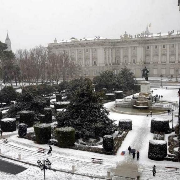 Diario Frontera, Frontera Digital,  AUROPA, BORRASCA FILOMENA, Internacionales, ,La nieve cierra el aeropuerto de Barajas, causa cortes en la M-30 y M-40 de Madrid  y suspende trayectos de AVE
