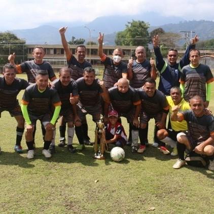 Diario Frontera, Frontera Digital,  FÚTBOL, LA ARENITA, MÉRIDA, Deportes, ,Ingenieros de Mérida Campeón Sub-55