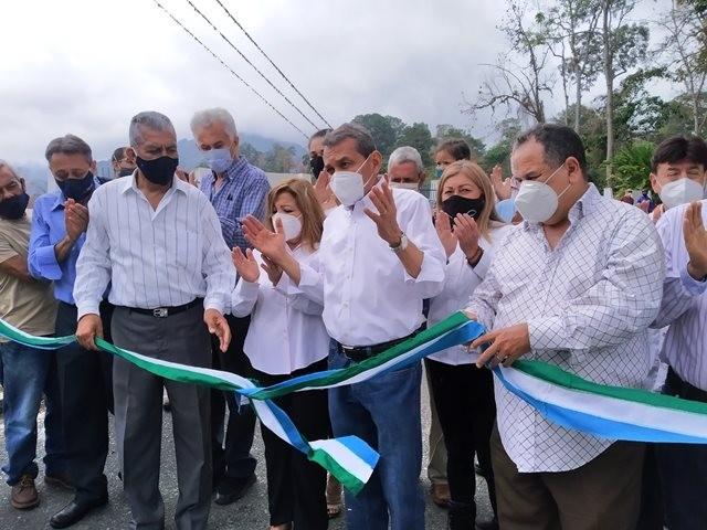 Diario Frontera, Frontera Digital,  LA AZULITA, GOBIERNO DE MÉRIDA, Panamericana, ,Gobernador Ramón Guevara inauguró el arco de entrada a La Azulita