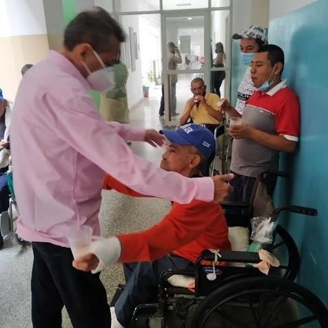 Diario Frontera, Frontera Digital,  ULE, Salud, ,Ejecutivo regional llevó alegría a pacientes de la Unidad de Larga Estancia