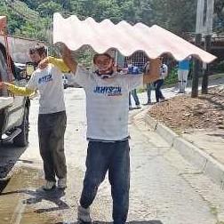 Diario Frontera, Frontera Digital,  Jehyson Guzmán, Politica, ,Jehyson Guzmán entregó  techos a familia afectada en  Jacinto Plaza