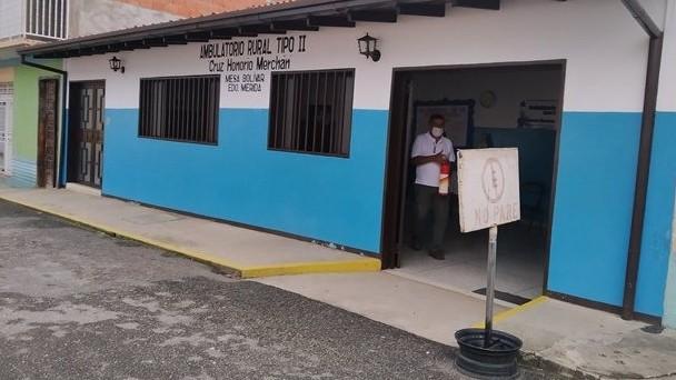 https://fronteradigital.com.ve/Parroquia Mesa Bolívar recibe apoyo del Ejecutivo regional