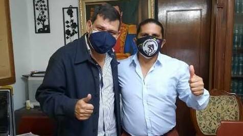 https://fronteradigital.com.ve/Francisco Ridelis mantiene conversaciones  con abogado Armando De La Rotta en busca de unidad superior