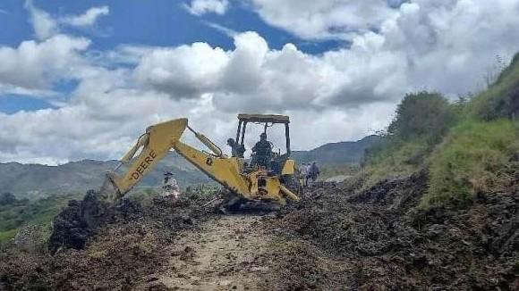 https://fronteradigital.com.ve/Jehyson Guzmán articula restitución del paso vial en la aldea Palo Negro